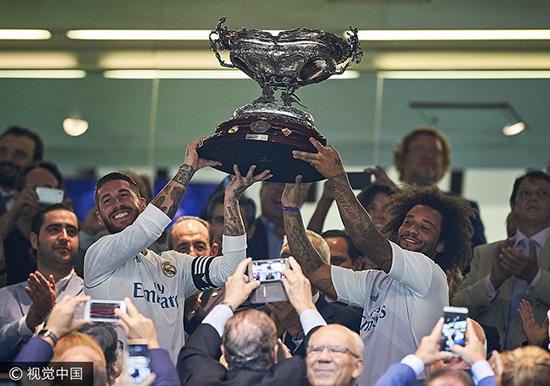 伯纳乌杯-C罗世界波+中柱 皇马2-1逆转佛罗伦萨