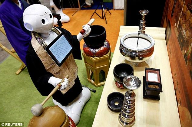 僧侣也被抢饭碗 软银这款仿生机器人可主持葬礼