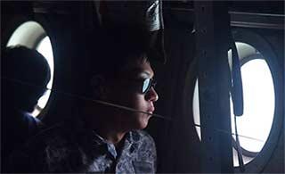 新加坡C130继续搜索失踪美舰水兵