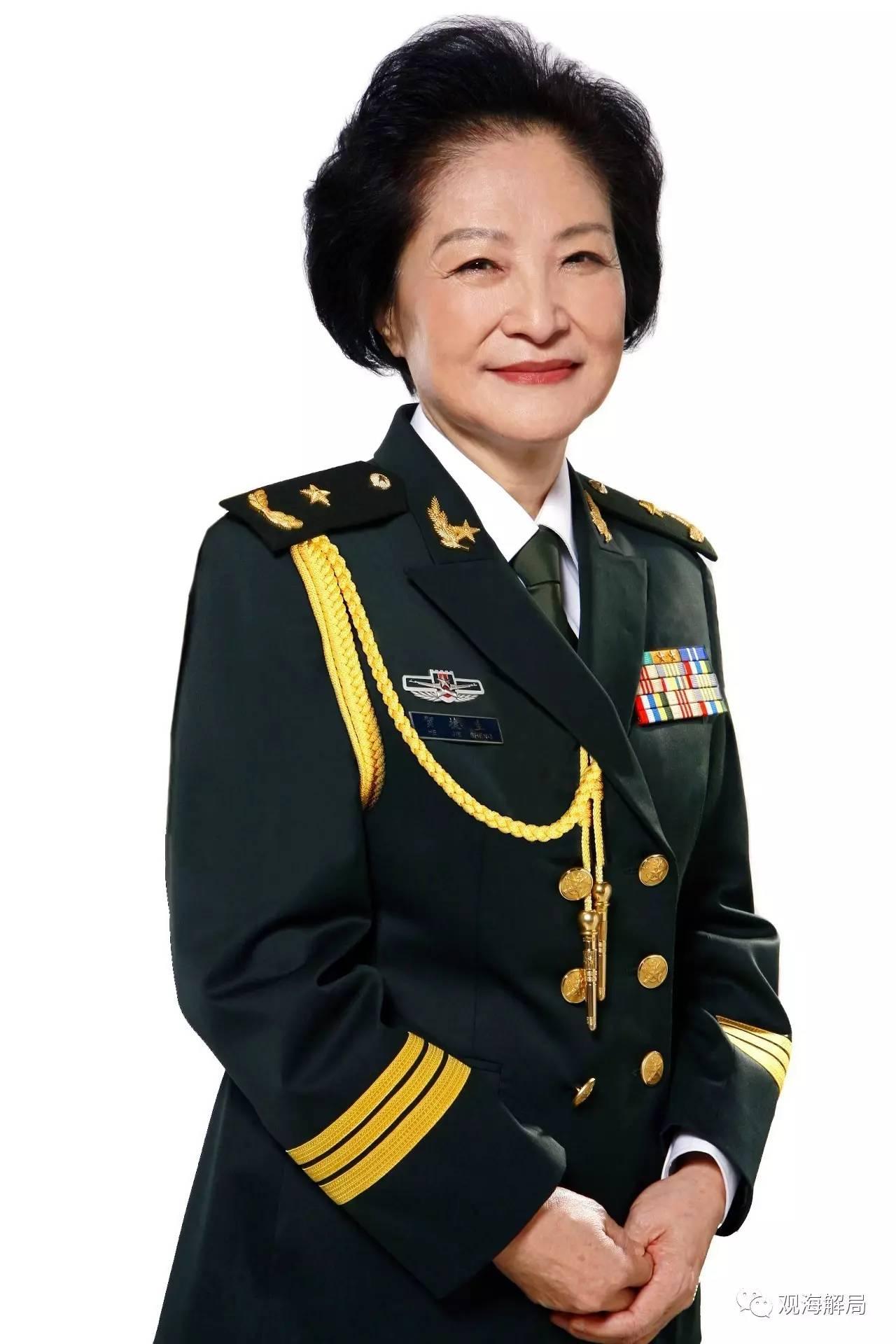 在军报刊文的共和国女将军,来头不小(图)