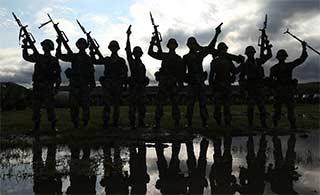 陆军暴风雨部队迎接朱日和军演