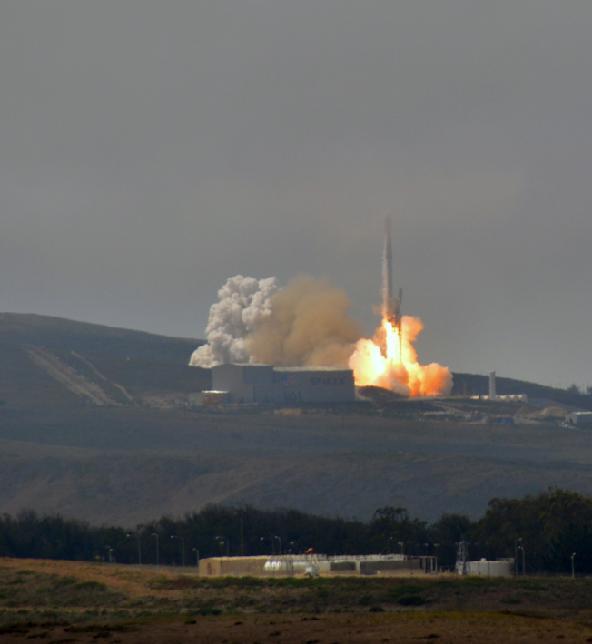 台在美发射卫星自吹里程碑 遭批:买鞭炮别人放