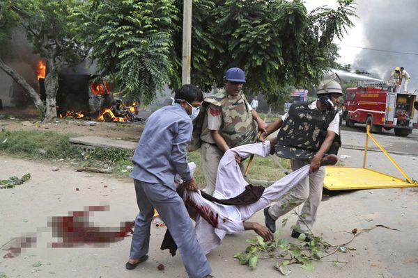 印度暴乱至少31死300多伤 德里拉响警报