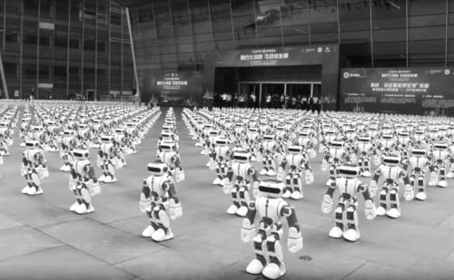 中国广东1069个机器人共舞 打破世界纪录