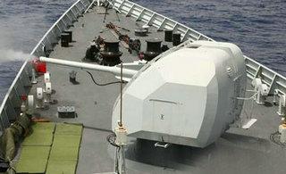 中国海军编队在印度洋实弹演练