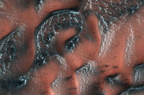 火星季节交替美景壮丽炫目:如海浪摇曳