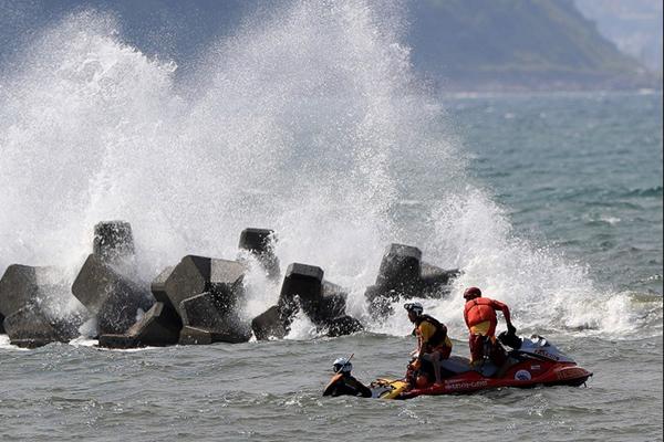 日本多地溺水事故频发 1天内11人死亡6人失踪