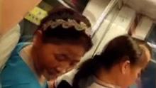 中年男地铁上猥亵女子 小伙发现后怒将其赶下车