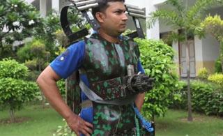 印度人为军队研发钢铁侠套装 腰上的加特林亮了