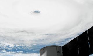 从空间站里看肆虐美国的超级飓风 场面太壮观