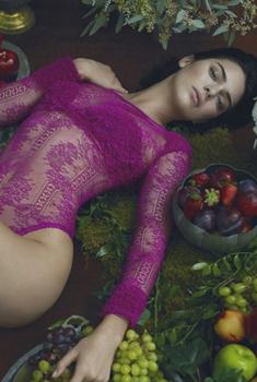 美国模特肯达尔·詹娜代言写真