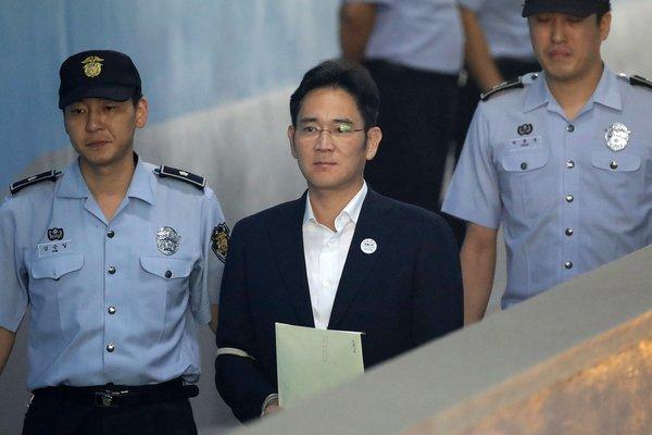 """三星""""太子""""获刑存特赦可能 韩国财阀经济困局待解"""