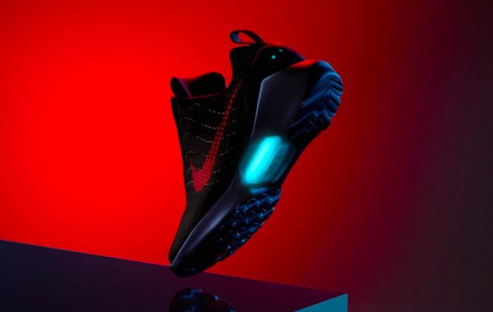 耐克这双自动系鞋带运动鞋又有货出售了