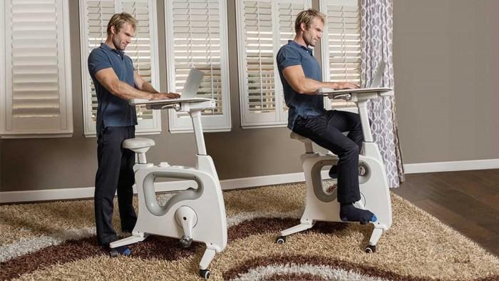 专为久坐族而设计 站立书桌变身健身单车