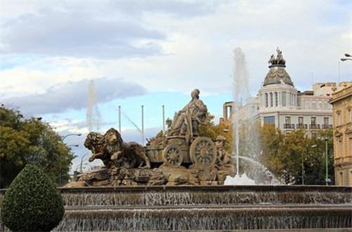 从西贝莱斯广场爱上马德里