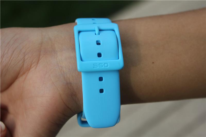 支持IPX7级防水 360儿童手表6W防水版图赏
