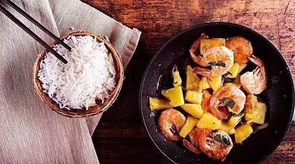 告诉你家掌勺的:这9种烹饪法把菜做熟,但营养也溜走了