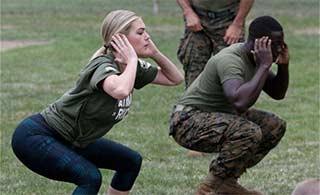 美国网红模特体验军营开放活动