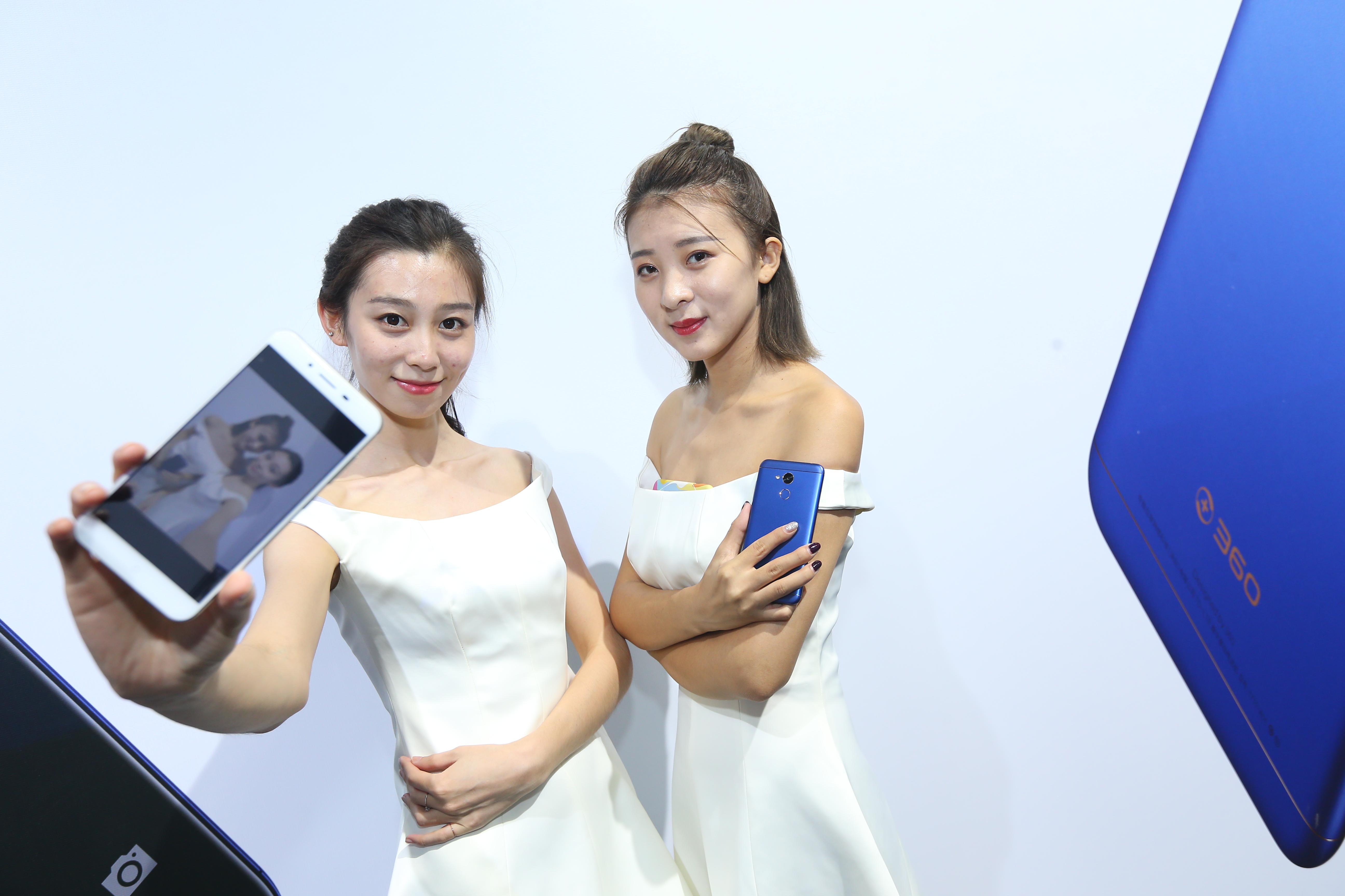 360手机推出899元vizza新机 面向年轻化市场