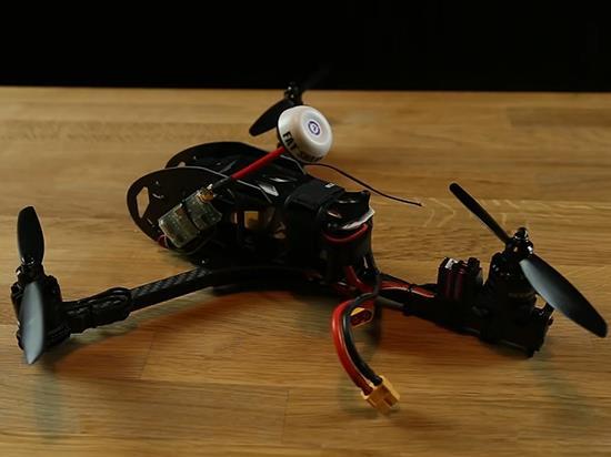 别轻视无人机:实测高速转动下扇叶能砍瓜切菜