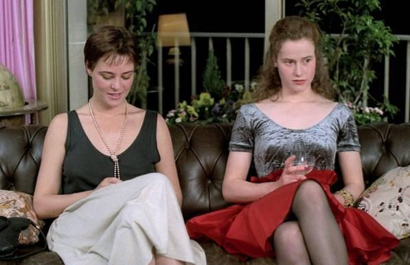 人妻伦理����_TheNewClassic-法国老电影中的那些穿衣灵感_时尚_环球网