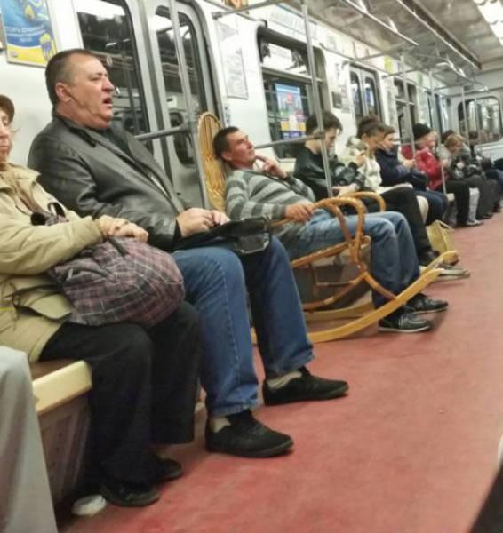 地铁总是有那么多奇怪的人图片