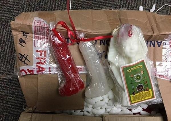 墨贩毒团伙将大量毒品藏蜡烛内运输被缴获