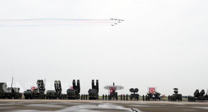 台防空导弹指挥部成立 指挥官分不清歼20和歼31