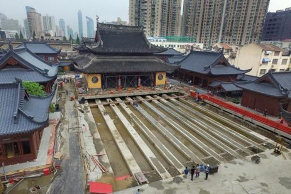 上海百年禅寺玉佛寺大雄宝殿平移30米工程开始