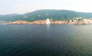 罕见海军潜艇水下发射鱼雷照曝光
