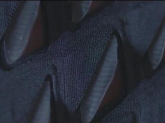 科技雷不撕:这种生物智能服装能自动通风排汗
