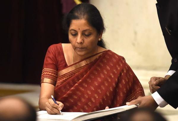 印度女防长受命全面提升国防 外界评价其强悍