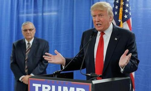 """特朗普一句话 美80万移民""""梦碎"""""""