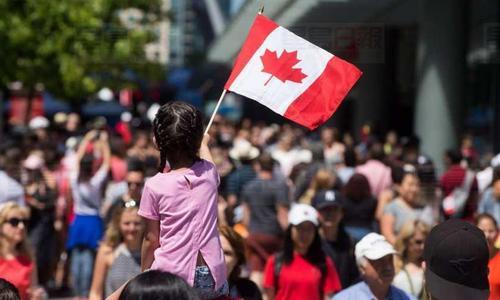 300万人获得加拿大十年签证 中国人占近一半