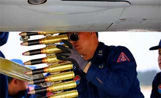歼-7战机航弹原来装在这里