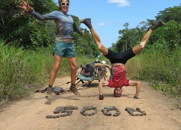 英夫妇跑步上万公里穿越南美洲 称生活真实自然