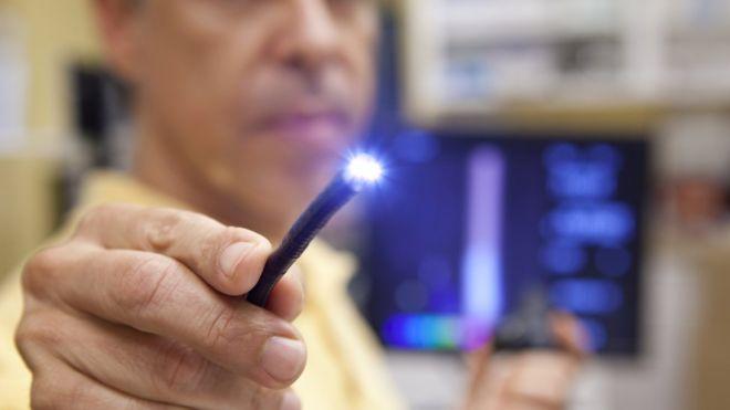 英科学家发明可透视相机 可助医生追踪体内医械