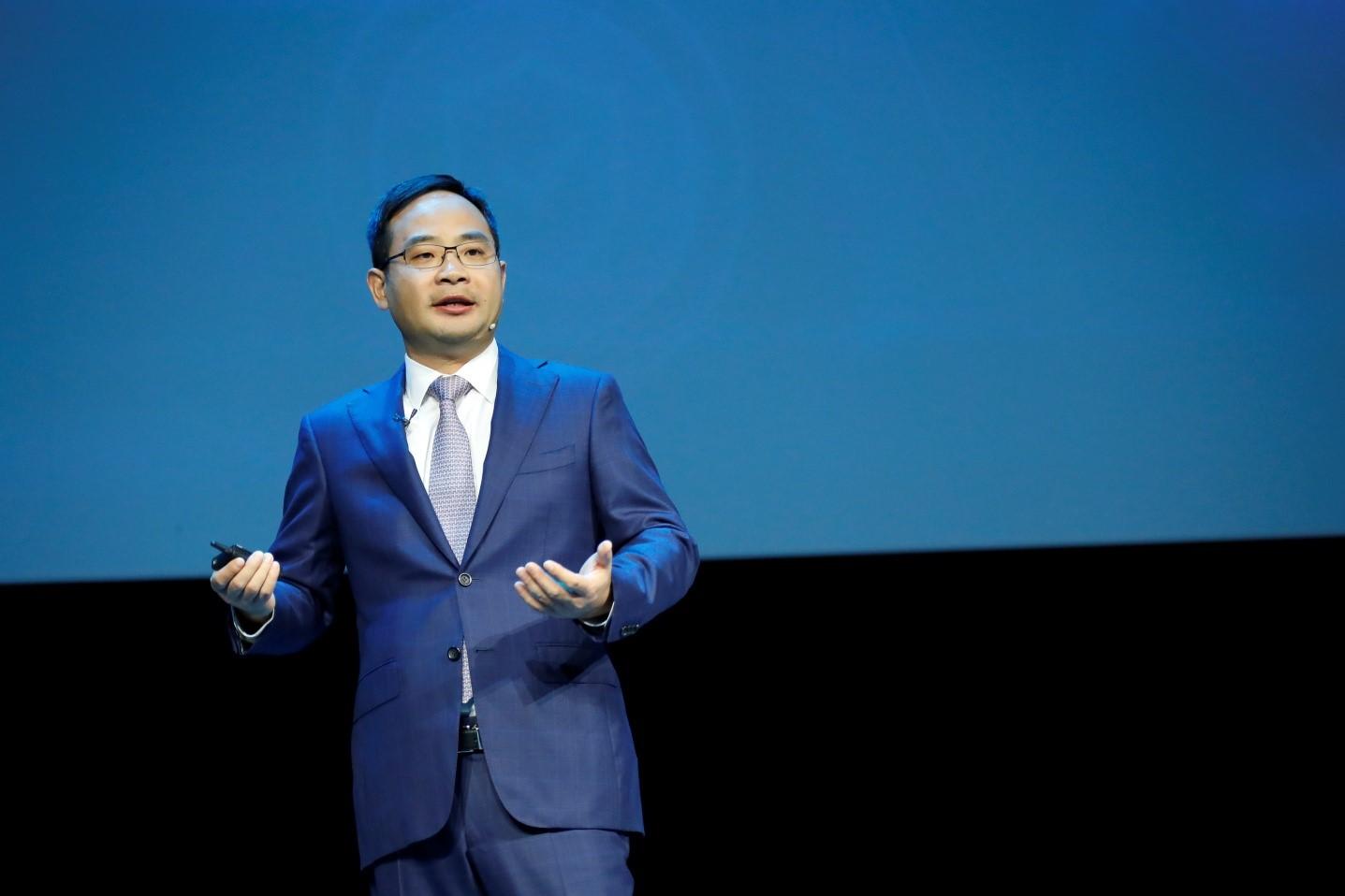 华为首次发布创新企业智能 华为云正式启用新域名