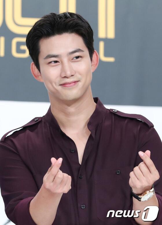 韩男团2PM成员玉泽演低调入伍 为当兵曾2次手术