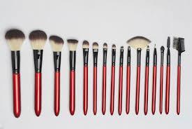 化妆新手到底要不要买全套的化妆工具?