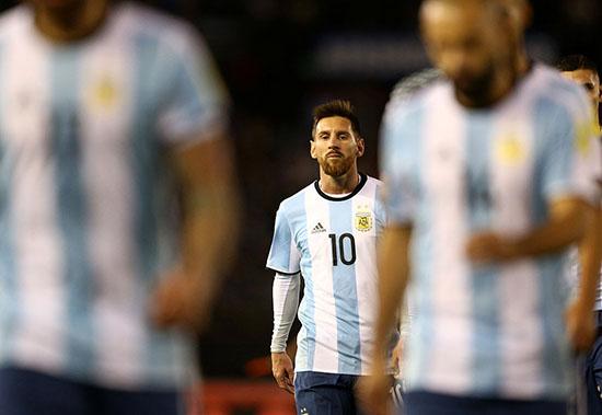 世预赛-梅西哑火阿根廷主场1-1垫底队 继续排第5