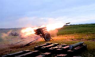 炮兵部队全天候打击场面震撼