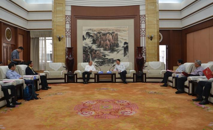 《老杨会客厅》用绿色招商助力河南百城提质建设