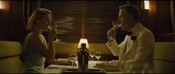 第25部007电影归来:新剧情让网友吐槽