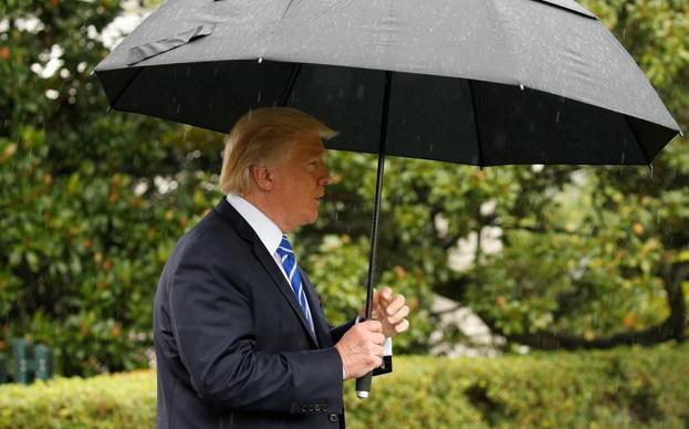 """美国总统特朗普:军事打击朝鲜不是""""第一选择"""""""