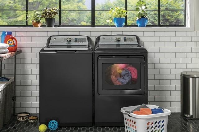 懒人必备!这款洗衣机根据不同衣服自动分配洗衣液