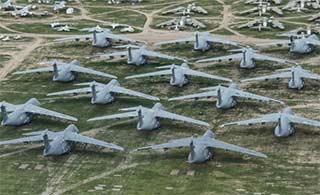 美军飞机坟场里场景让人眼馋不已