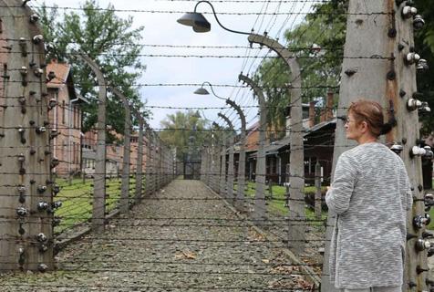 图揭奥斯维辛集中营 曾经的人间地狱