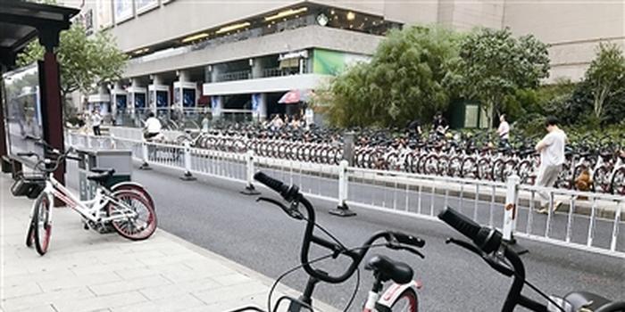 杭州共享单车围城 电子围栏难以管住任性停放