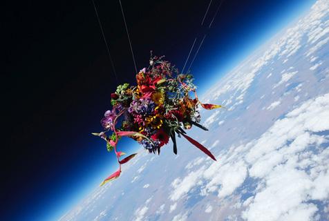 """日本艺术家花束""""太空之旅""""尽显唯美"""